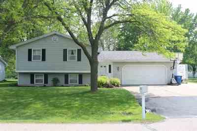 Neenah Single Family Home Active-Offer No Bump: 1005 Nennig