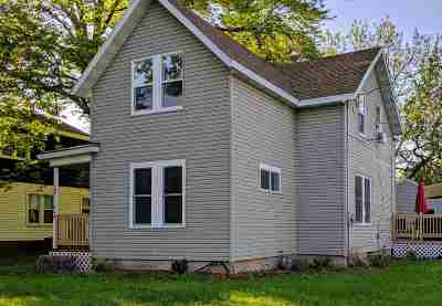 Menasha Single Family Home Active-No Offer: 644 Broad