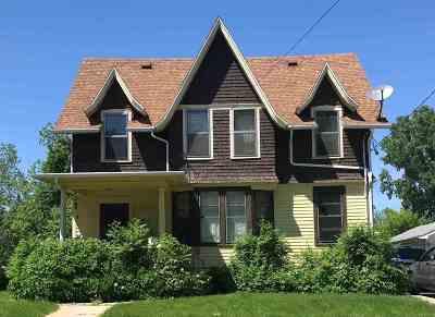 Appleton Multi Family Home Active-Offer No Bump: 826 E Washington