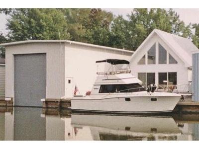 Oshkosh Single Family Home Active-No Offer: 5005 Island View