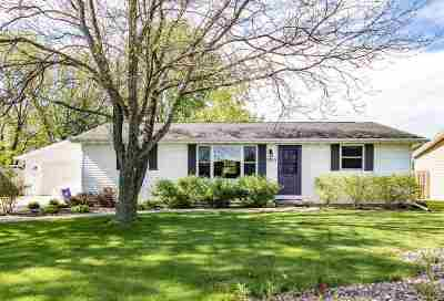 Ashwaubenon Single Family Home Active-Offer No Bump: 1365 Ponderosa