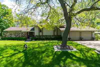 Menasha Single Family Home Active-Offer No Bump: 1319 Sunset