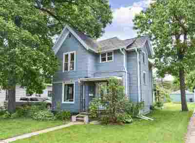Kaukauna Single Family Home Active-No Offer: 205 E 9th