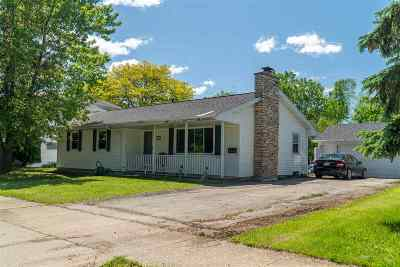 Neenah Single Family Home Active-No Offer: 836 W Cecil
