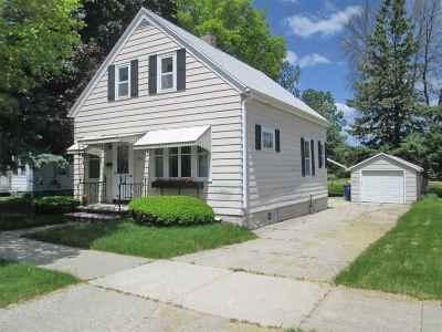Green Bay Single Family Home Active-No Offer: 1477 Farlin