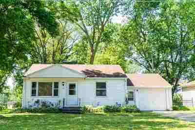 Green Bay Single Family Home Active-No Offer: 1542 Grignon