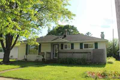 Neenah Single Family Home Active-No Offer: 977 Betty