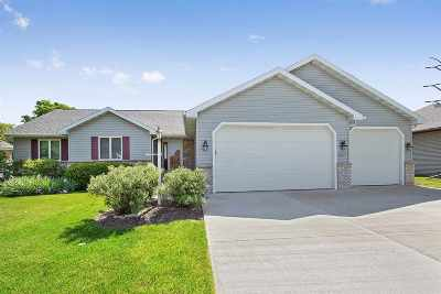 Appleton Single Family Home Active-Offer No Bump: N9532 Hickory