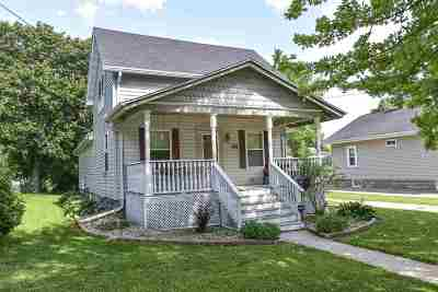 Menasha Single Family Home Active-No Offer: 372 Nassau