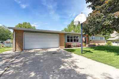 Little Chute Single Family Home Active-Offer W/Bump: 1120 Garfield