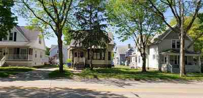 Green Bay Multi Family Home Active-Offer No Bump: 819 Dousman