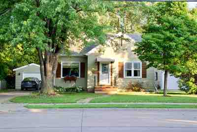 Neenah Single Family Home Active-No Offer: 726 W Winneconne