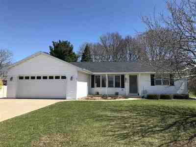 Green Bay Single Family Home Active-No Offer: 429 Alpine