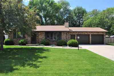 Green Bay Single Family Home Active-Offer No Bump: 845 Maryann