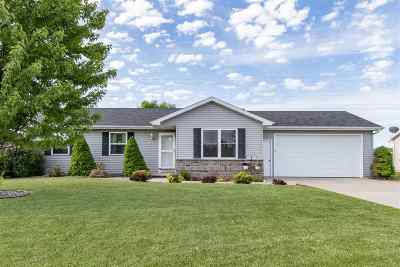 Appleton Single Family Home Active-Offer No Bump: W5441 Hidden Trail