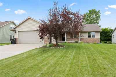 Neenah Single Family Home Active-No Offer: 2346 Deer Prairie