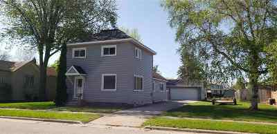 Oconto Single Family Home Active-No Offer: 826 Madison