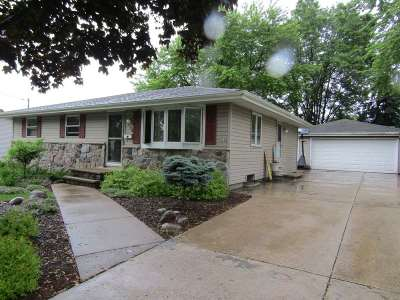 Little Chute Single Family Home Active-Offer No Bump: 1204 Harding
