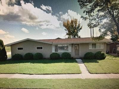 Kaukauna Multi Family Home Active-No Offer: 411 E 20th