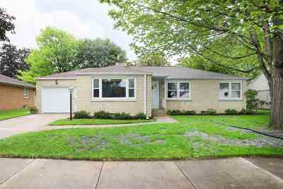 Menasha Single Family Home Active-No Offer: 651 Lakecrest