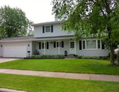 Oshkosh Single Family Home Active-No Offer: 1419 W 2nd