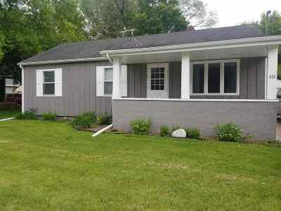 Kaukauna Single Family Home Active-No Offer: 620 Lincoln
