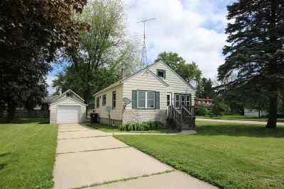 Single Family Home Active-No Offer: 415 E Johnson