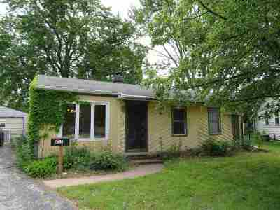 Neenah Single Family Home Active-No Offer: 215 Jane