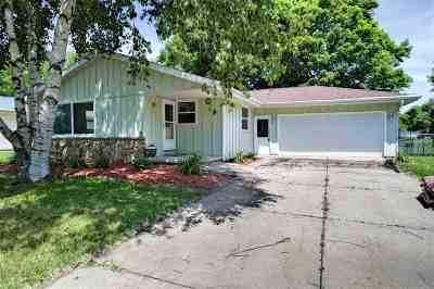 Kaukauna Single Family Home Active-No Offer: 524 W Henry