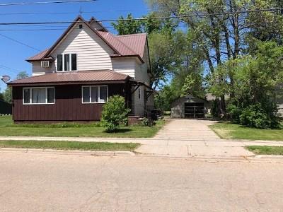 Shawano County Multi Family Home Active-Offer No Bump: 511 E 5th
