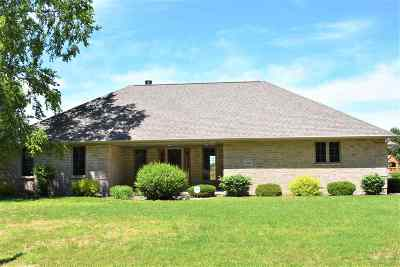 Suamico Single Family Home Active-No Offer: 3594 Rustic Haven