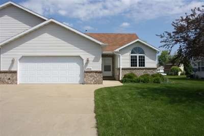 Appleton Condo/Townhouse Active-No Offer: W2836 Brookhaven