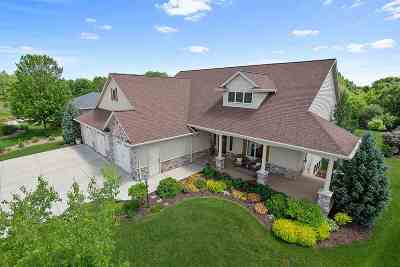 Green Bay Single Family Home Active-Offer No Bump: 2289 Kaylee