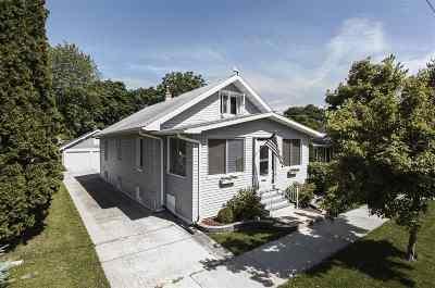 Oshkosh Single Family Home Active-No Offer: 1526 Central