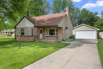 Kaukauna Single Family Home Active-No Offer: 1017 Hennes