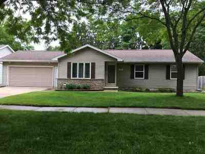 Appleton Single Family Home Active-No Offer: 309 E Meadow Grove
