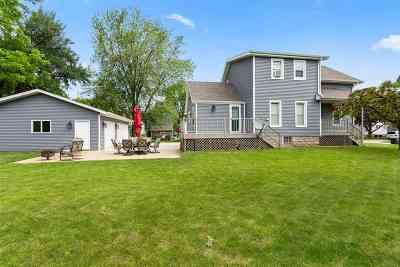 Oshkosh Single Family Home Active-No Offer: 1615 Iowa