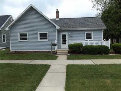 Kaukauna Single Family Home Active-No Offer: 424 W 6th