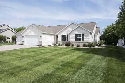 Neenah Single Family Home Active-Offer No Bump: 2316 Deerpath