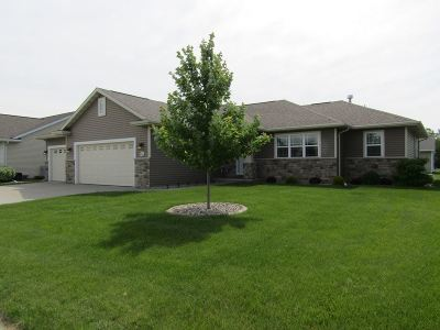 Menasha Single Family Home Active-Offer No Bump: N9023 Papermaker Pass