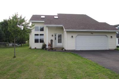Waupaca Single Family Home Active-Offer No Bump: 826 Sunridge