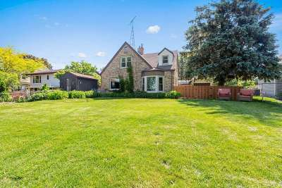 Menasha Single Family Home Active-No Offer: 1350 Lakeshore