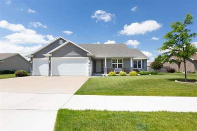 Neenah Single Family Home Active-Offer No Bump: 1595 Lone Oak