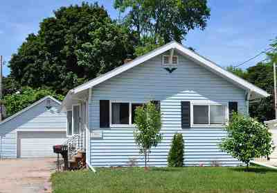 Neenah Single Family Home Active-Offer No Bump: 542 Fairview