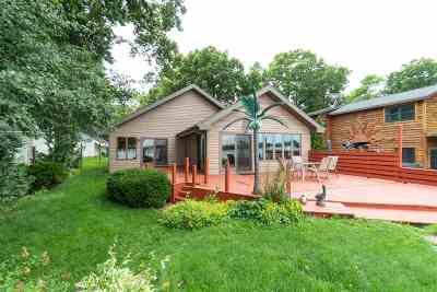 Neenah Single Family Home Active-Offer No Bump: 6452 N Paynes Point