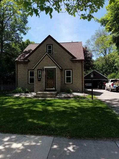 Appleton Single Family Home Active-Offer No Bump: 1601 N Owaissa