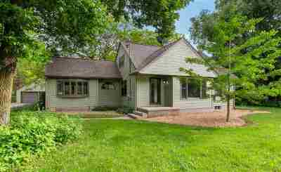 Menasha Single Family Home Active-Offer No Bump: W6205 Old Highway