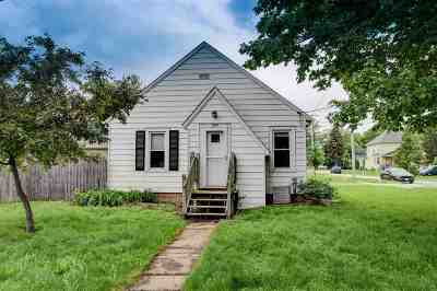Neenah Single Family Home Active-Offer No Bump: 324 Abby