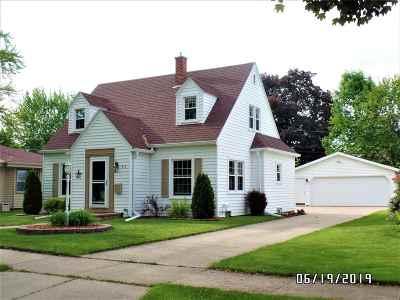 Appleton Single Family Home Active-No Offer: 910 E Maple