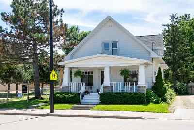 Menasha Single Family Home Active-No Offer: 521 3rd